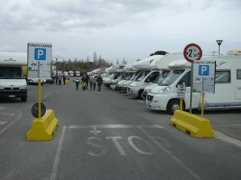 Wohnmobilstellplatz in Pisa