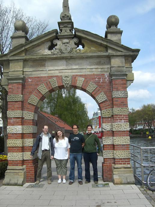 Michael, Anja, Thilo und Claudia im Hafen von Emden