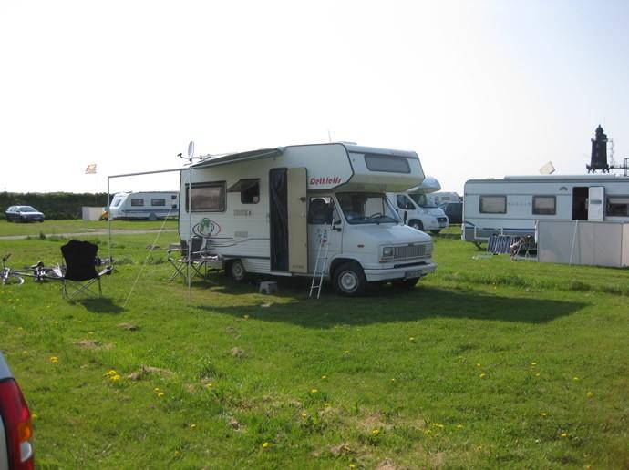Unser Wohnmobil auf dem Campingplatz voll eingerichtet