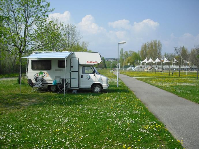 Fiamma Caravanstore am Wohnmobil