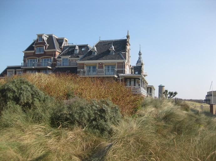 Das haus in den Dünen am Strand von Domburg