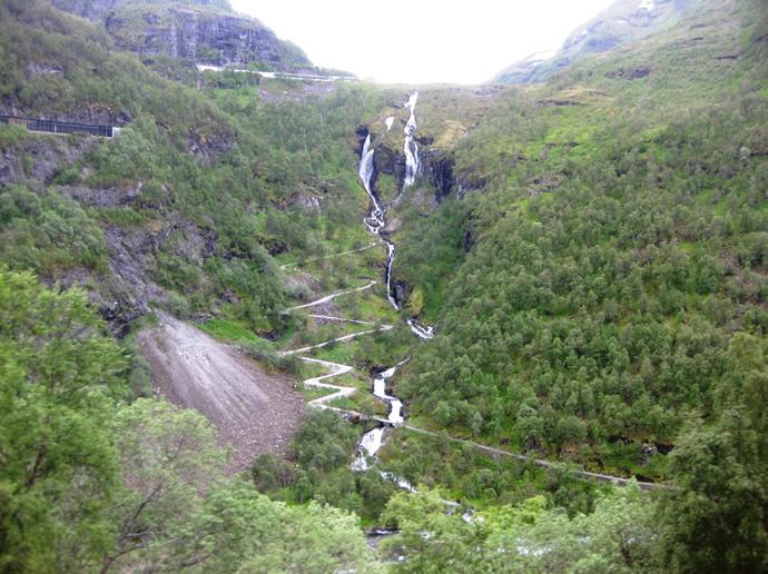 Versorgungsweg neben der Flåmbahn