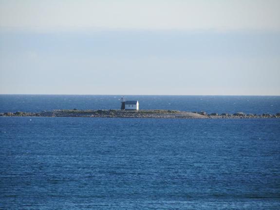 Einsamer Leuchtturm in der Bucht von Brusand