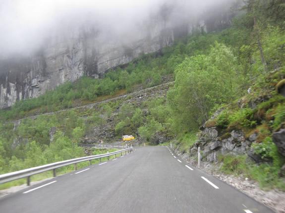 Bergetappe in Norwegen - Da müssen wir wohl rauf :(