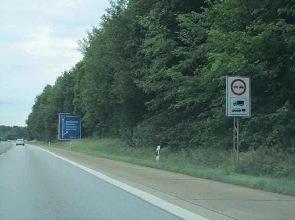 Überholverbot für Gespanne und Anhänger auf der Autpbahn - Ärgerlich!