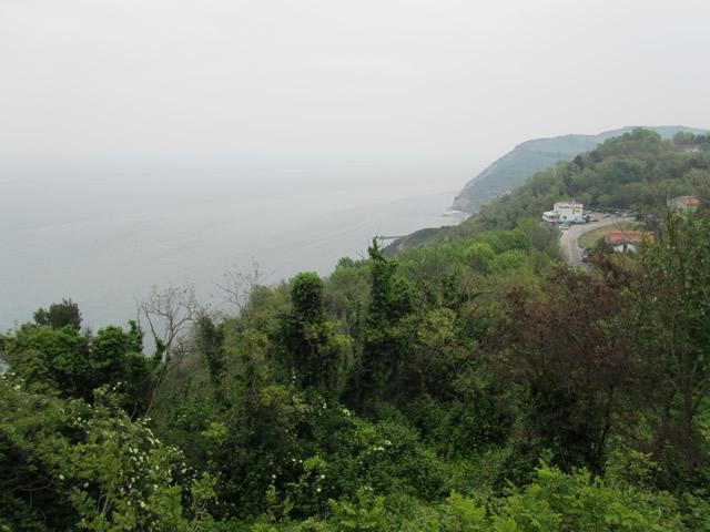 Ausblick von den Höhenzügen der SP 44 auf die Adria