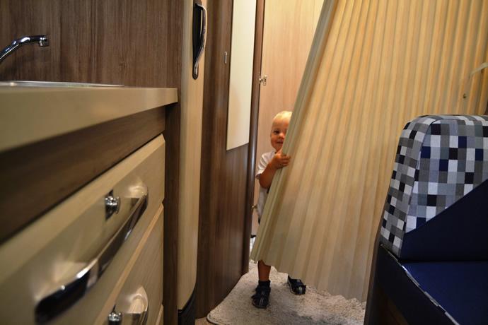 Supertest für die Trennwände im Hobby Wohnwagen