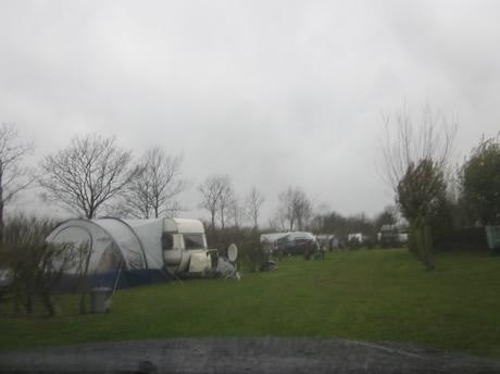Mieses Wetter auf dem Campingplatz