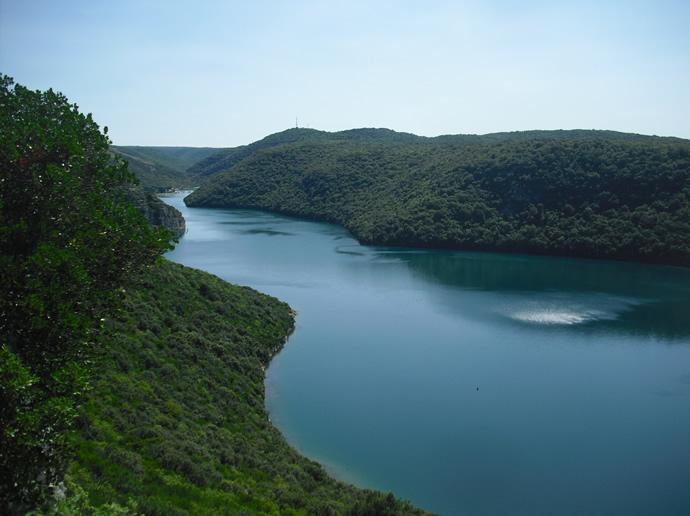 Blick nach links auf den Limfjord in Istrien