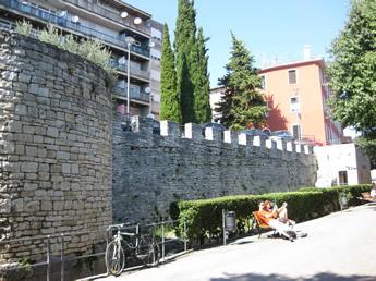 Stadtmauer von Pula