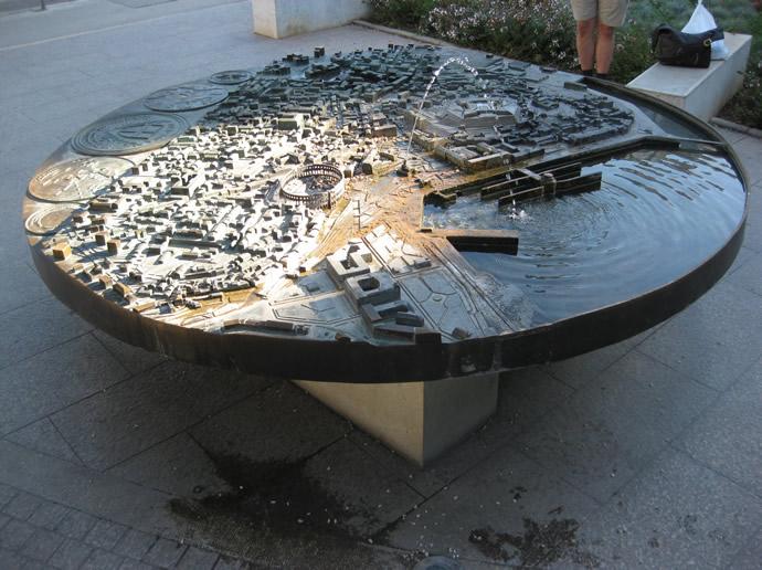 Bronzearbeit der Altstadt von Pula in 3d