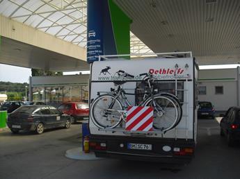 moderne Tankstelle OMV in Kroatien