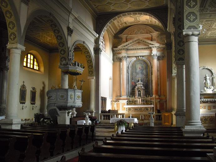 Das Innere der Kirche Maria Geburt von Labin