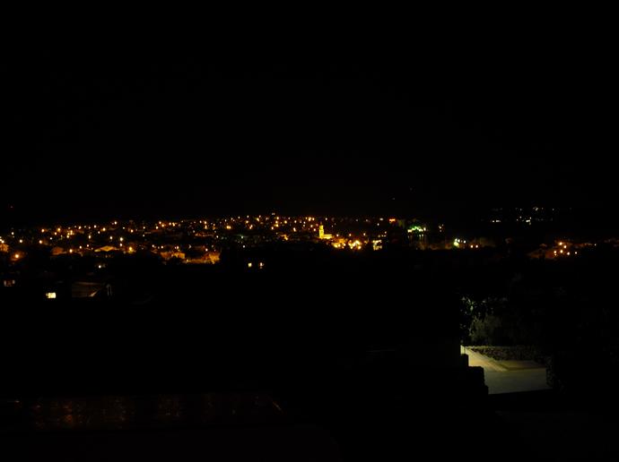 Blick auf die Altstadt von Krk auf der Insel Krk von der Anhöhe des Campingplatzes Autokamp Bor.