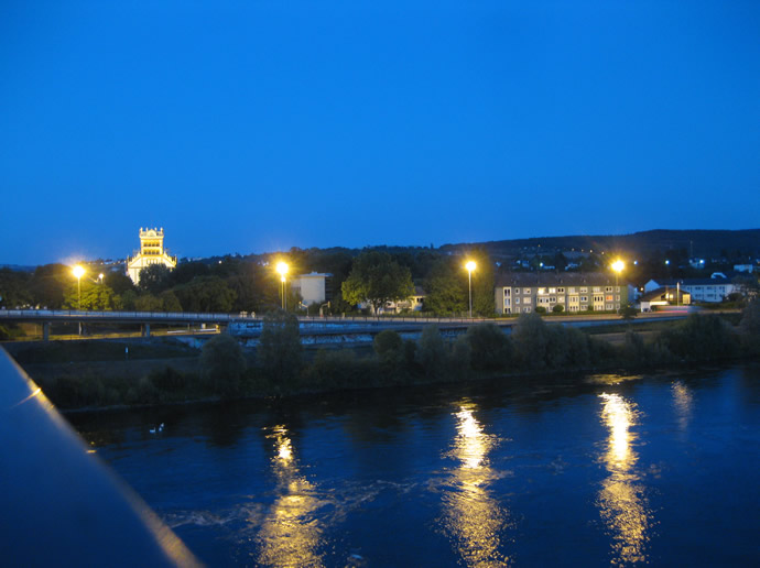 abendlicher Blick auf die St. Matthias- Kirche