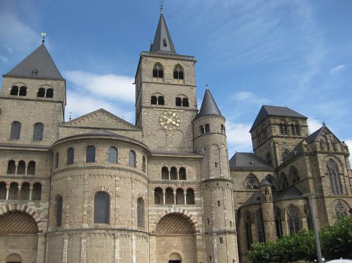 Der Dom von Trier von außen