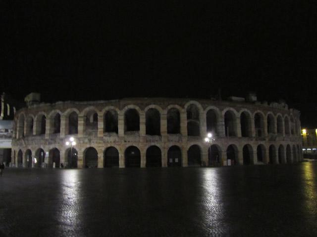Die Arena von Verona am Abend